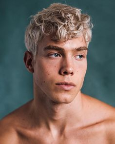 "derek-chadwick: ""my-sinners-prayer: ""He's the most beautiful man in the world. Tan Blonde, Blonde Guys, Blonde Model, Curly Blonde, Blone Hair, Derek Chadwick, Shawn Mendes Hair, Men Tumblr, Aqua Eyes"