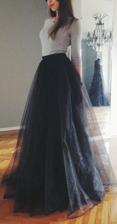 I actually want this tulle skirt in midi length, rather than maxi length. It won't look too formal, and still cute <3