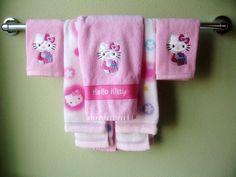 Hello Kitty towel set.