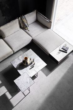 From the iconic Daybed to the grand Modular Sofa, all HANDVÄRK seating objects are meticulously designed in Denmark and characterized by aesthetic sustainability: a timeless object in a quality last a lifetime. Nordic Interior Design, Scandinavian Interior Design, Home Interior, Nordic Living Room, Scandinavian Living, Tile Top Tables, Home Modern, Black And White Interior, Danish Furniture