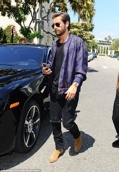 Scott Disick wearing Saint Laurent Hedi Jodhpur Boots and Fear of God Selvedge-Denim Jeans Scott Disick Style, Scott Disick And Kourtney, Khloe Kardashian Show, Star Fashion, Mens Fashion, Casual Winter Outfits, Men Street, Fashion Killa, Menswear