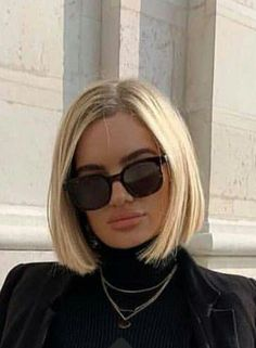 schouderlang haar Haircut, minus the pout. Medium Bob Hairstyles, Short Bob Haircuts, Cool Hairstyles, Weave Hairstyles, Wedding Hairstyles, Medium Hair Styles, Short Hair Styles, Aline Bob, Great Hair