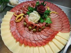 i would like to try this and take this to the next level by making that white rose out of cheese and that red rose out of some shaved meats (Cheese Party Platters) Meat And Cheese Tray, Meat Trays, Meat Platter, Food Platters, Cheese Platters, Party Trays, Party Snacks, Antipasto, Deli Tray
