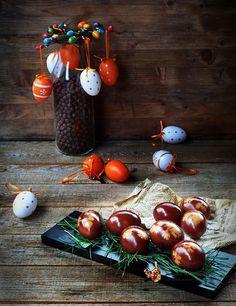 Oua vopsite in coji de ceapa rosie   Retetele mele dragi Easter Eggs, Easter Ideas