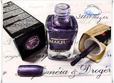 Kettőnél több réteg kell, hogy a színt visszaadja, de nagyon szép és csillogó! 3 réteggel kiváló vagy egy alapszín, amire kerülve  tud a szín megmutatkozni. Tartós, könnyen kenhető, kiváló minőségű! Perfume Bottles, Make Up, Beauty, Beauty Makeup, Beauty Illustration, Makeup, Maquiagem