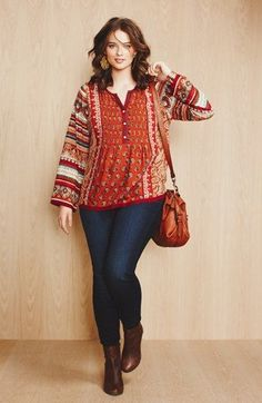 Today we will be discussing about some casual outfits for plus size women and latest curvy women funky style. For young women who are plus size. Casual outfits that are easy to carry and can be worn on daily basis. Boho Plus Size, Looks Plus Size, Look Plus, Plus Size Tops, Plus Size Women, Curvy Women Fashion, Plus Size Fashion, Womens Fashion, Cheap Fashion