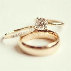 Diamond Wedding Rings 2017 / 2018 : Image Description ♥ Love this – Solitare diamond (one God, one woman for life), small diamond band, engagement ring engraved with our names, band with wedding date ♥ Wedding Rings Simple, Gold Wedding Rings, Wedding Bands, Trendy Wedding, Dream Wedding, Wedding Music, Wedding Ideas, Classic Wedding Rings, Wedding Jewelry