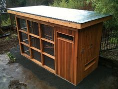 Pistils' MetroCoop by pistilsdesign, via Flickr. This is a very pretty coop
