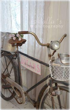 Elämää villa honkasalossa Bike Parts, Vintage Love, Shabby Chic, Koti, Bicycles, Photography, Cottage, Sweet, Decor
