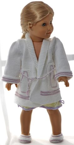 Knitting patterns for dolls clothes - lovely night clothes for your doll