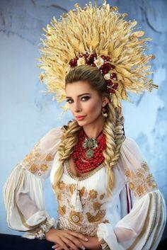 """""""Міс Україна Всесвіт"""" вразила національним костюмом - Телеканал новин 24"""