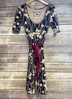 """""""Effie's Heart Vintage Dress"""" #vintagefashion #farmerjohns #farmerjohnsboutique #theboutiqueatfarmerjohns #fashion #floralprint #comfy"""