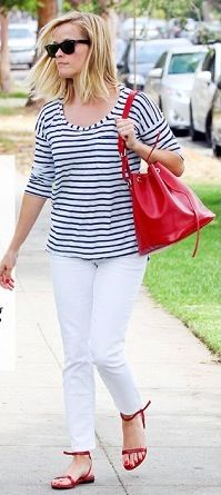 Reese Witherspoon, white pants Martha's Vineyard, summertime