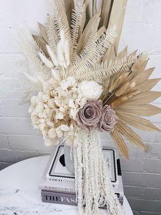Dried Flower Arrangements, Vase Arrangements, Dried Flowers, Centerpieces, Neutral, Flower Bar, Cement Pots, Decorative Mouldings, How To Preserve Flowers