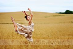 Field of Dance Dance Photography, Creative Photography, Photography Ideas, Ballet Photos, Just Dance, Best Memories, Senior Pictures, New Hair, Dancer