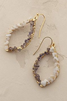 Anthropologie EU Moonglow Teardrop Earrings I love this do they make them in silver? Crystal Jewelry, Wire Jewelry, Jewelry Crafts, Beaded Jewelry, Jewelry Box, Jewelry Accessories, Jewelry Making, Copper Jewelry, Fashion Accessories