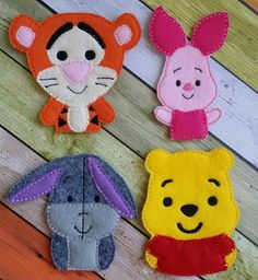 Winnie the Pooh Finger puppets от LittleFingersbyEM на Etsy Felt Puppets, Felt Finger Puppets, Sewing Crafts, Sewing Projects, Finger Puppet Patterns, Felt Patterns, Disney Diy, Felt Fabric, Felt Diy