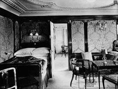 Titanic -  First class suite bedroom
