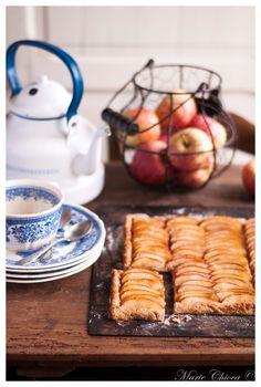 La tarte aux pommes façon pâtisserie (avec une pâte feuilletée légère au petit-suisse )