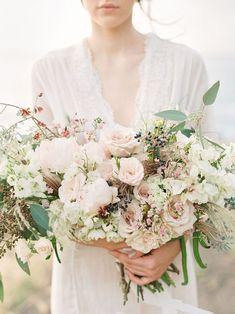 20 Wild Organic Wedding Bouquets | SouthBound Bride