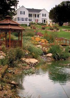Découvrez ces idées originales de bassins et petits étangs qui vous permettront d'aménager votre jardin de la plus belles des manières...