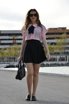 http://oneusefashion.wordpress.com/2014/12/12/pink-with-bow/