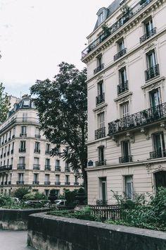 Khaki_Sweater-Zaitegui_Skirt-PFW-Sneakers-Sandro_Paris-Collage_Vintage-Street_Style-35