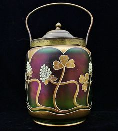 Want fantastic suggestions on kitchenware? Head out to this fantastic info! Art Nouveau, Tea Caddy, Belle Epoque, Ginger Jars, Cookie Jars, Antique Art, New Art, Art Decor, Tea Pots