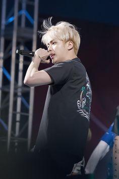 bts pics on Jimin, Bts Jin, Bts Bangtan Boy, Bts Boys, Jin Gif, Seokjin, Namjoon, Taehyung, Yoonmin