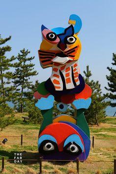 Frog and Cat | outdoor sculpture, 1989 | Karel Appel ----------------------------------------------    Benesse Art Site, Naoshima