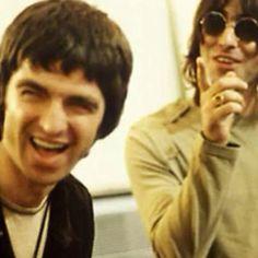 Noel and Liam Gallagher Liam Gallagher Oasis, Noel Gallagher, Alan White, Liam And Noel, Jane's Addiction, Britpop, Best Rock, Pop Bands, People