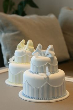 Striped mini cakes - I like the shape and size.