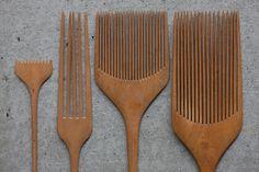handcraftwoodcraft:  Boxwood combs from Toki no Kumo.
