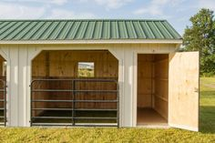 Run In Shed with Tack Room White Board & Batten - Byler Barns Horse Shed, Horse Barn Plans, Horse Stalls, Small Horse Barns, Run In Shed, Horse Barn Designs, Pallet Barn, Horse Shelter, Mini Barn