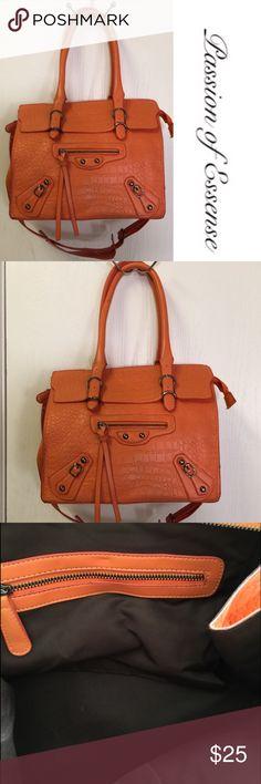 Orange Fashion Handbag Brand New This Bag Has Adjule Shoulder Straps And Zippers