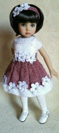 Ideas Crochet Baby Girl Doll For 2019 Crochet Doll Dress, Crochet Doll Clothes, Knitted Dolls, Girl Doll Clothes, Doll Clothes Patterns, Pretty Dolls, Cute Dolls, Beautiful Dolls, American Doll Clothes