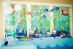 tablescape. Tablecloth and backdrop just plastic tcloths cut in scallops, then layered?
