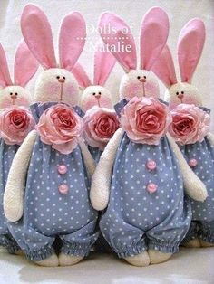 I love hares … - Stofftiere Felt Crafts, Easter Crafts, Fabric Toys, Waldorf Dolls, Sewing Toys, Soft Dolls, Stuffed Toys Patterns, Spring Crafts, Handmade Toys