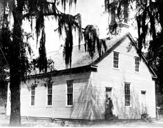 Original building of the First Methodist Episcopal Church, South - Fort Meade, Florida Vintage Florida, Old Florida, State Of Florida, Fort Meade, Florida Girl, Old Churches, Church Building, Episcopal Church, Sunshine State