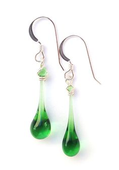 You'd hardly guess this vibrant kelly green glass had been rescued from the recycling bin before being made into these elegant droplet earrings.