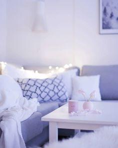 Living room || @hetkiamaalla Home Photo, Throw Pillows, Living Room, Bed, Photos, Toss Pillows, Stream Bed, Sitting Rooms, Decorative Pillows