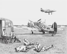 hurricane-56-sqn-pilots-at-readiness