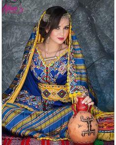 Algerian Traditional Dress. #algeria لباس تقليدي امازيغي من تصميم كمال…