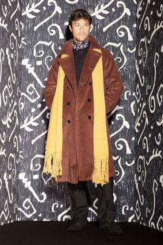 MP Massimo Piombo Fall 2014 Menswear Fashion Show Fashion Show, Mens Fashion, Fashion Design, Chesterfield Coat, Mens Fall, Sharp Dressed Man, Fall Collections, Vest Jacket, Everyday Fashion