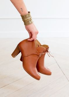 http://www.sezane.com/fr/product/collection-automne-hiver/new-low-hunter?cou_Id=301