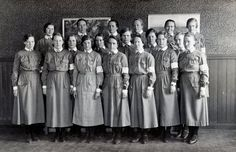 Members of Lotta Svärd, Finnish women's voluntary defense organisation, deemed too nationalistic and banned by the Soviet union. Finnish Civil War, Finnish Women, Iconic Photos, Red Army, Soviet Union, Armed Forces, Ancient History, Historical Photos, Wwii