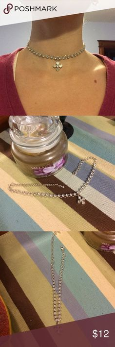 Adjustable crystal choker Adjustable clear crystal choker with silver chain and crystal pendant. Jewelry Necklaces