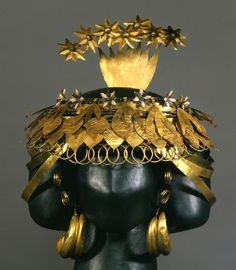 Queen Pu-abi's headdress from the ancient royal tomb of Ur in Mesopotamia