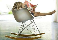 Eames Plastic Armchair RAR / Designklassiker für Kinder / Nursery Inspiration