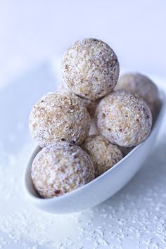 Simple, Clean and Lean Protein Balls Recipe